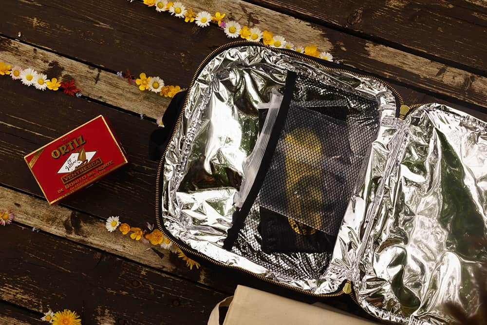 caviar box 2