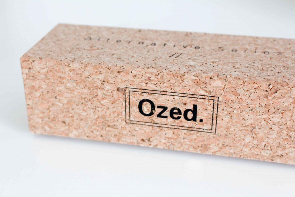 Ozed est une entreprise créatrice de lunettes d un nouveau genre créée en  2012. Originale et singulière, elle puise ses idées dans le monde de la  glisse. 7128015759dd