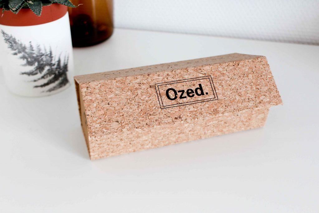 Ozed propose des modèles tout en bois mais celui que nous avons reçu mixe  bois et acétate. L acétate est un plastique noble qui est plus résistant  que les ... 4fb71bf2cd73