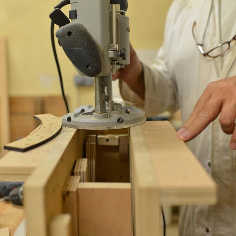 Un cours pour apprendre à faire son propre meuble en bois