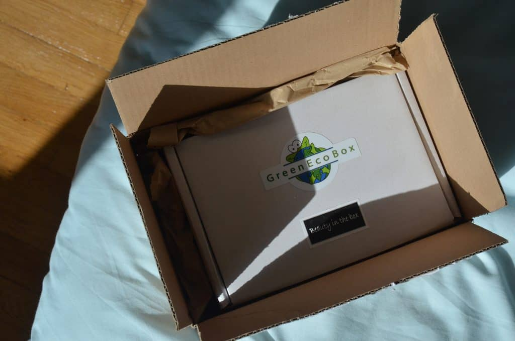green eco box carton