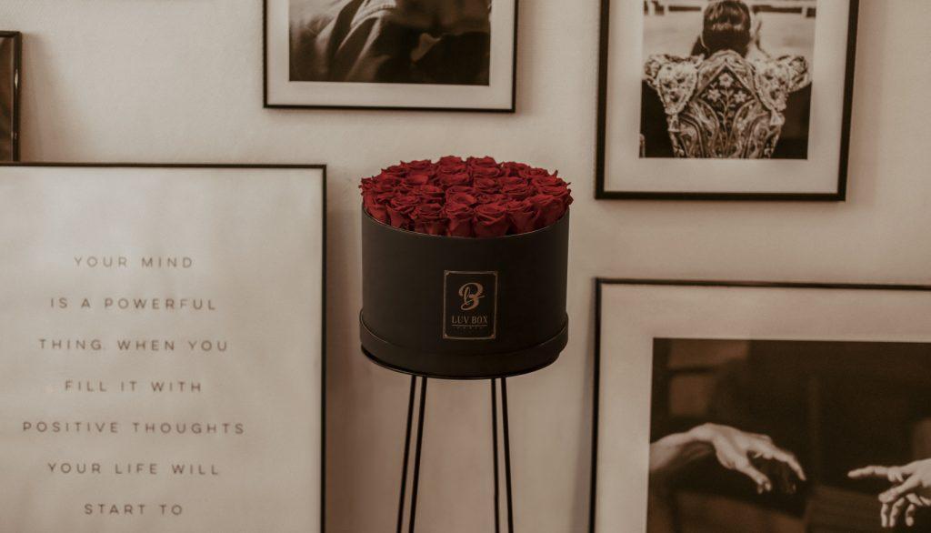 Les fleurs sont toujours une bonne idée de coffret cadeau femme