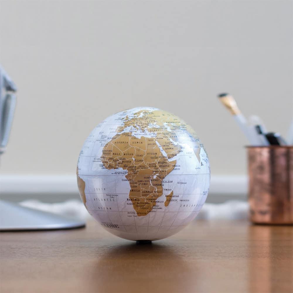 Le globe terrestre rotatif de chez Nature & Découvertes
