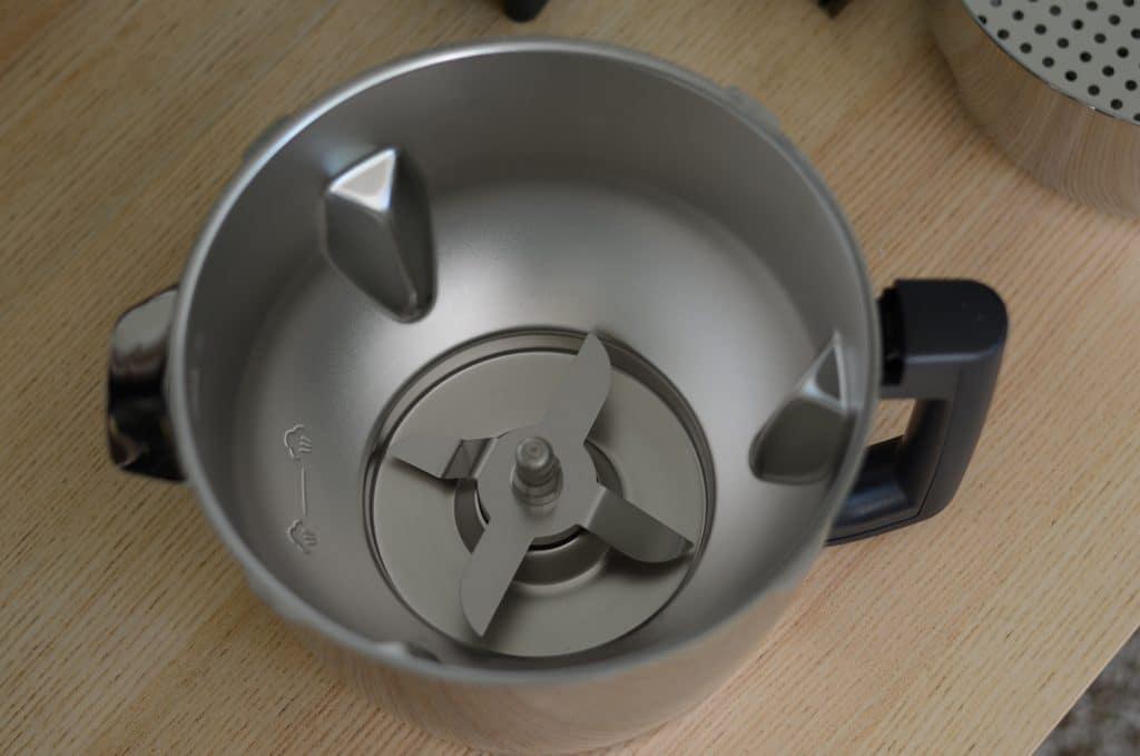 La cuve en métal du magimix cook expert