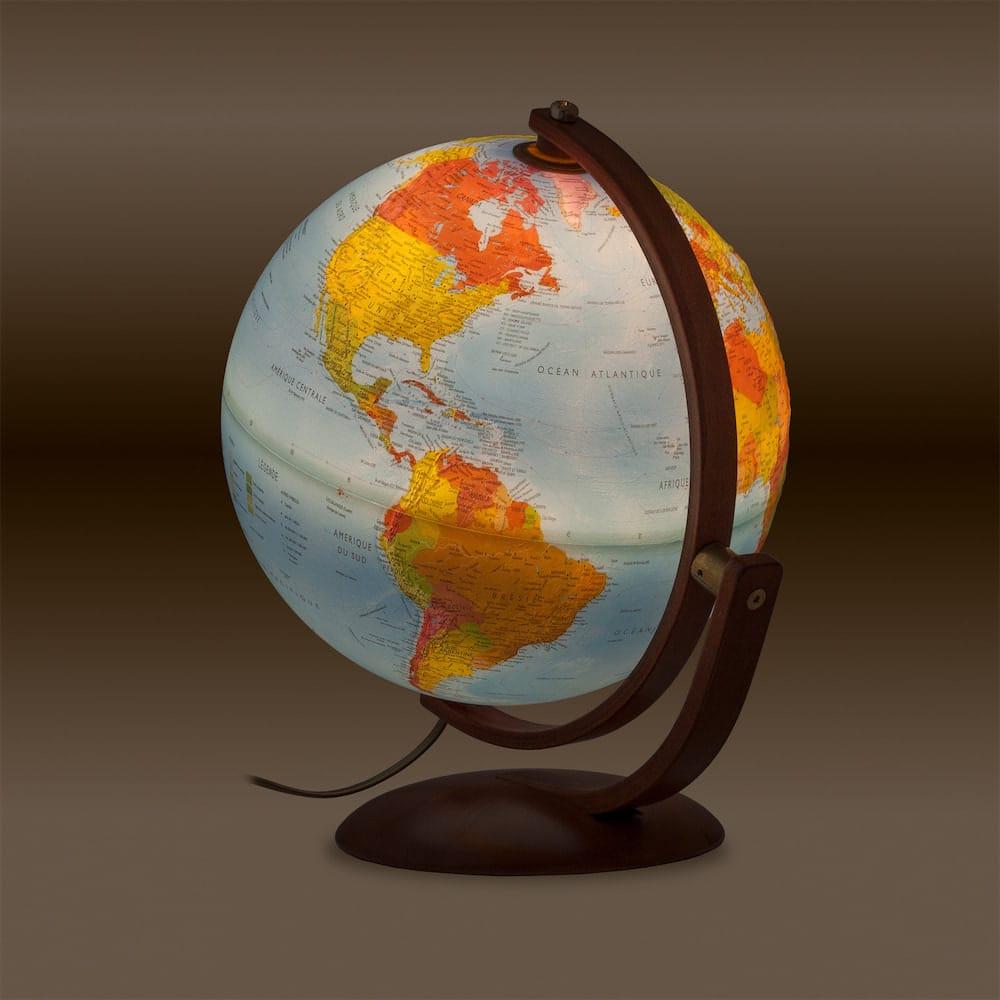 Le globe Maximus avec relief de chez Nature & Découvertes